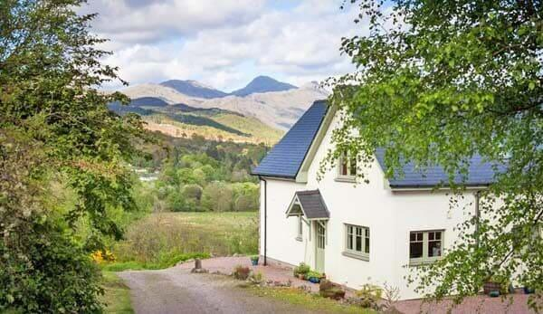 Scottish Holiday cottage with hot tub