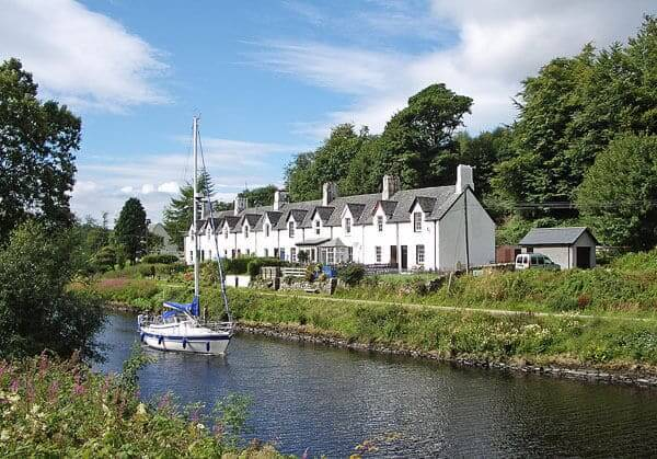 Argyll Self Catering Cottage On The Banks Of The Crinan