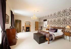 Logie Country House Self Catering With Swimming Pool In Scottish Castle