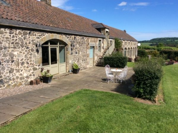 Granary Cottage stone steading for holiday letting in Fife