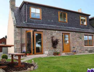 Country Cottage, 6 Balnakyle Cottages, Munlochy, Ross-Shire