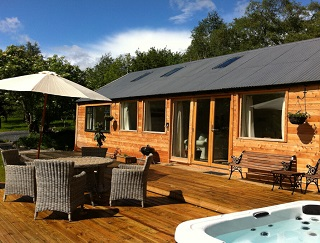 holiday cottage with private hot tub