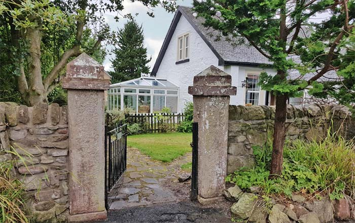 Dunbartonshire holiday let for group accommodation