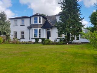 large self-catering near Glasgow